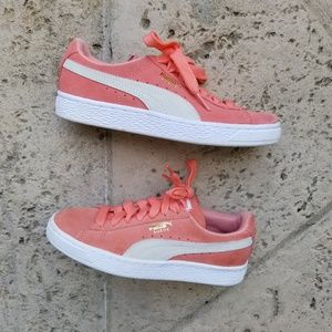 Classic Puma Clyde Suede Sneakers